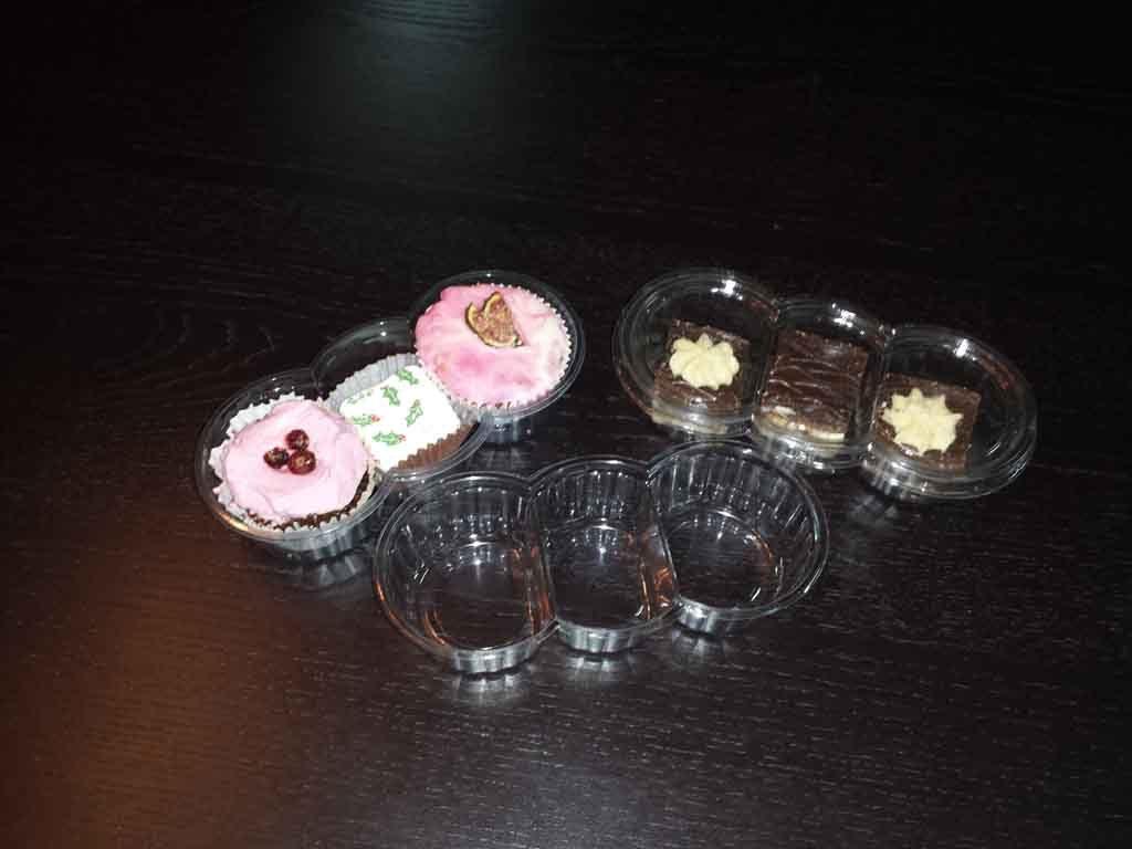 Caserola din plastic compartimentata pentru prajituri (3)