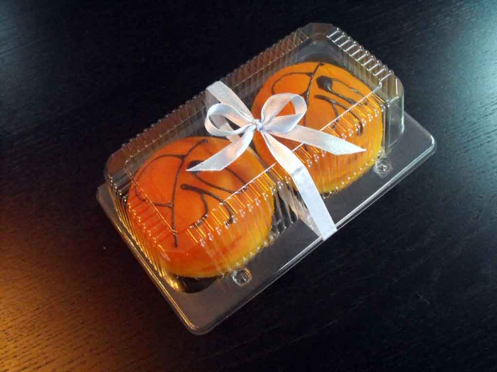 Caserola din plastic cu 2 compartimente pentru gogosi (1)