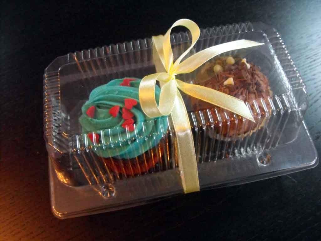 Caserola din plastic cu 2 compartimente pentru muffins (1)
