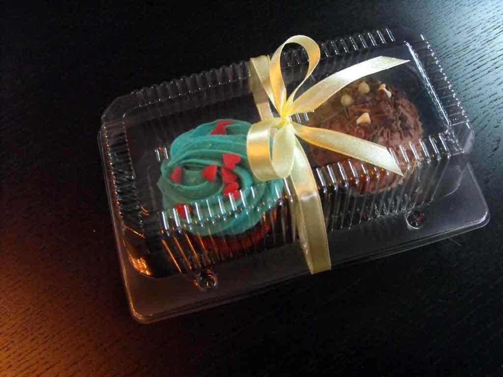 Caserola din plastic cu 2 compartimente pentru muffins (2)