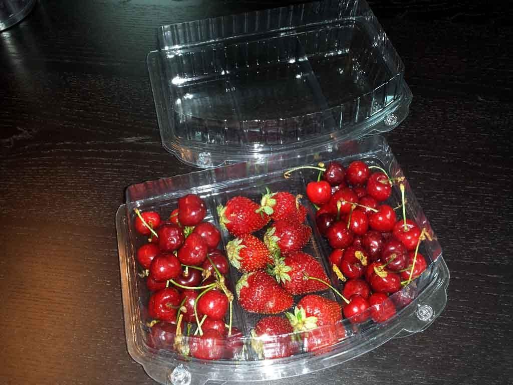 Caserole Transparente Din Plastic Pentru Cu 3 Compartimente Fructe Confiate