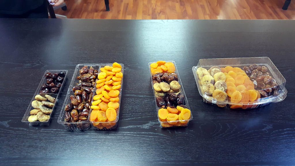 Caserola din plastic cu 3 compartimente pentru fructe confiate (2)