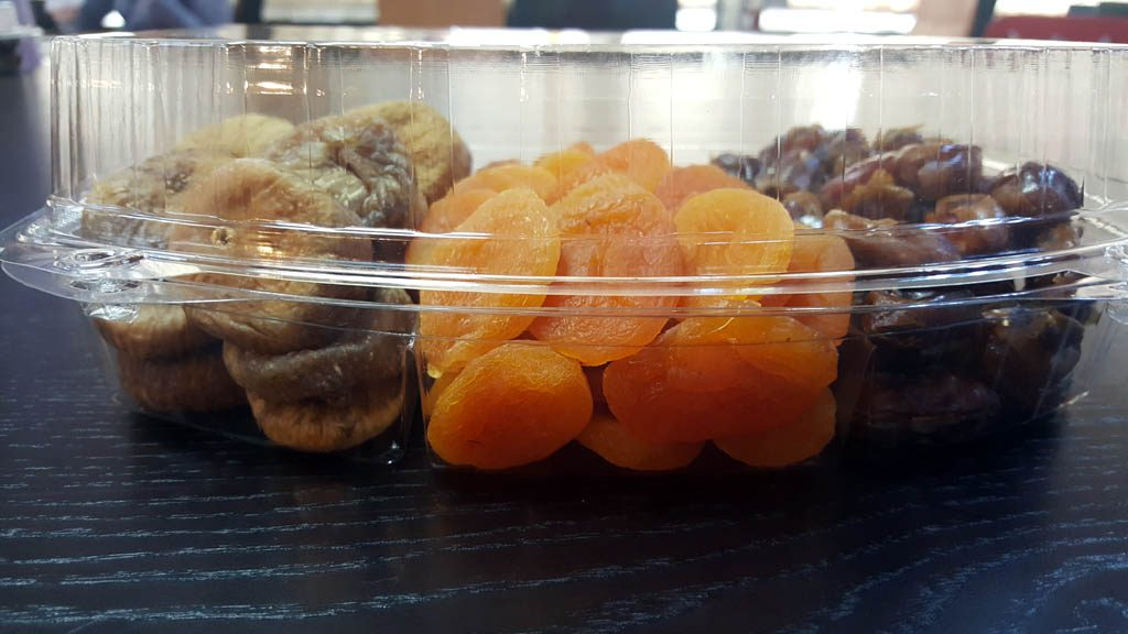 Caserola din plastic cu 3 compartimente pentru fructe confiate (4)