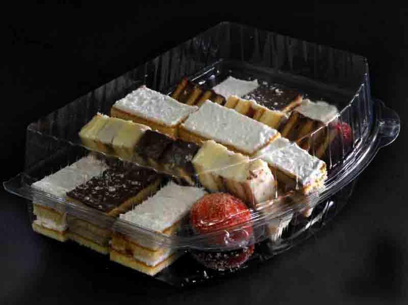 Caserola din plastic cu 3 compartimente pentru prajituri (5)
