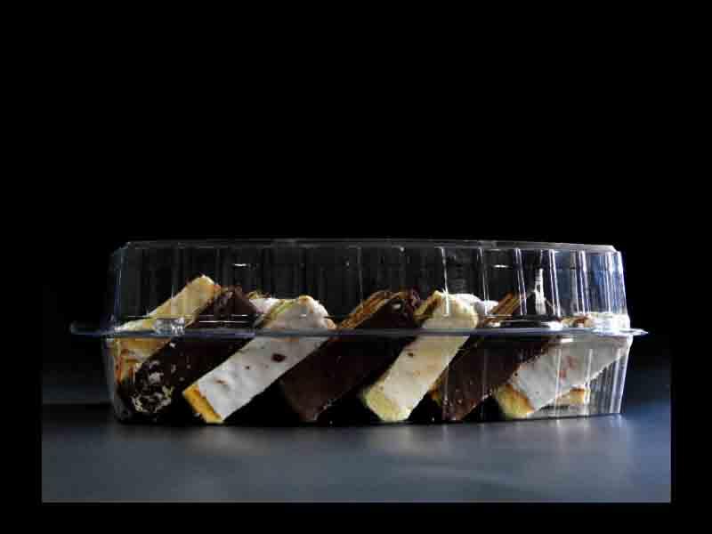 Caserola din plastic cu 3 compartimente pentru prajituri (6)