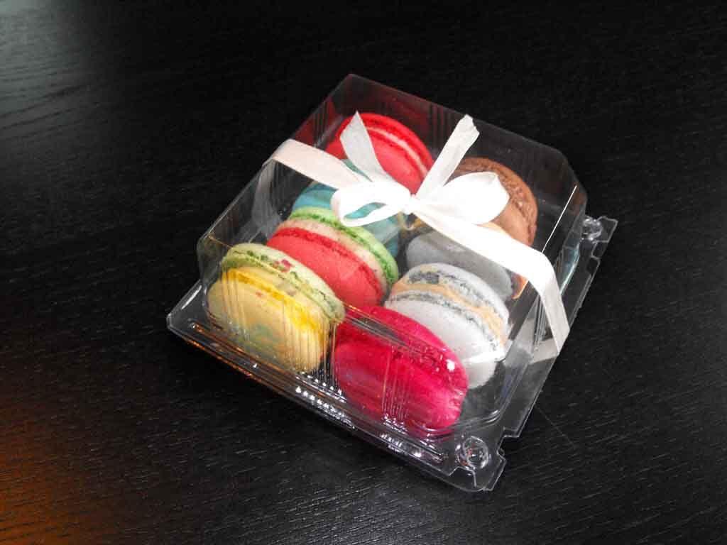 Caserola din plastic cu capac pentru macarons (1)