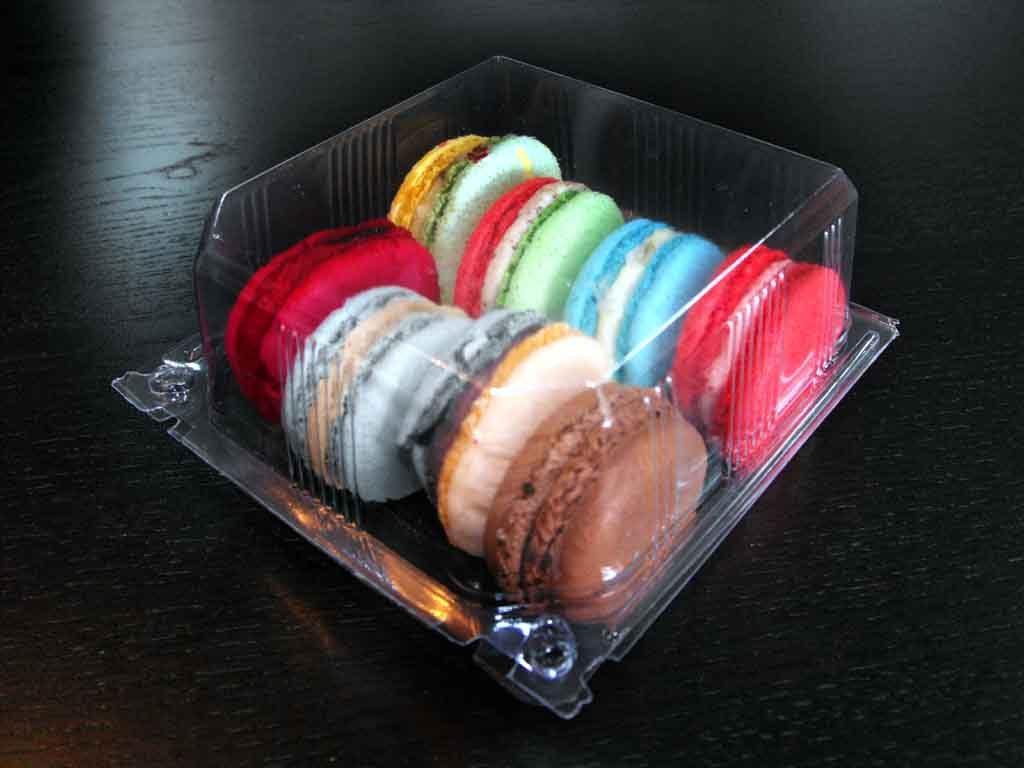 Caserola din plastic cu capac pentru macarons (2)