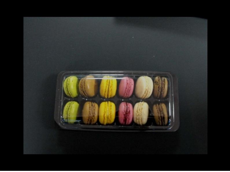 Caserola din plastic pentru macarons
