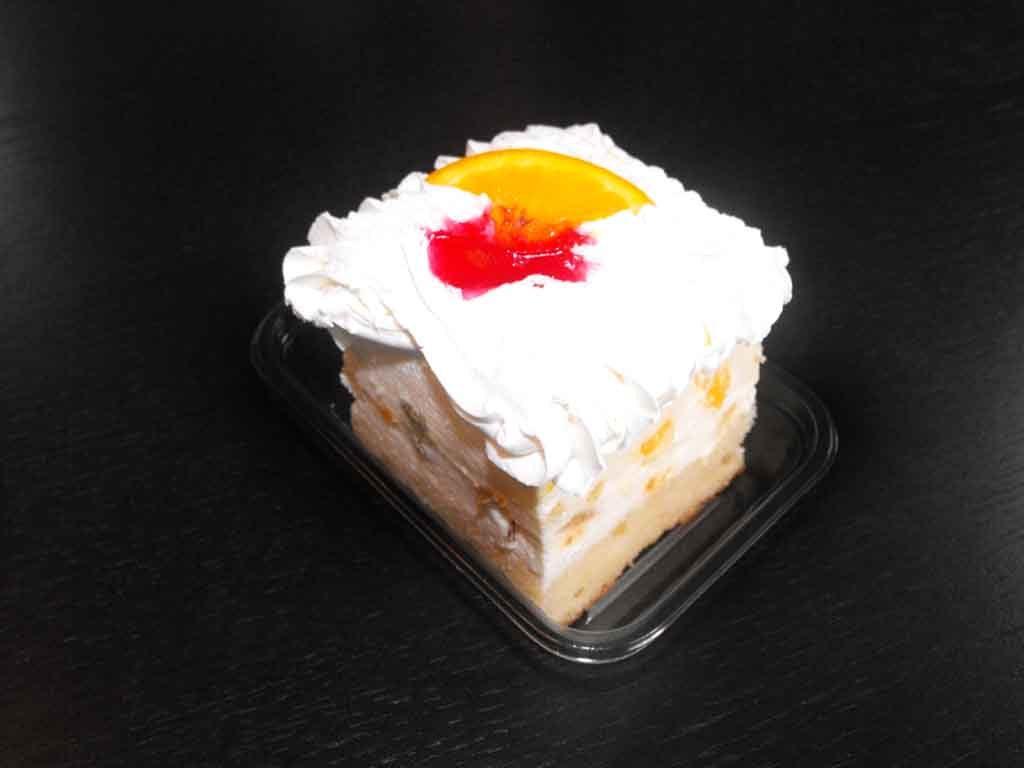 Caserola din plastic pentru o prajitura cu frisca (1)