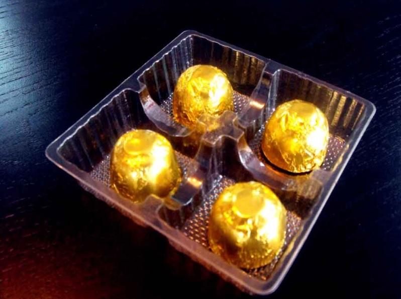 Chese plastic pentru 4 praline ciocolata (1)
