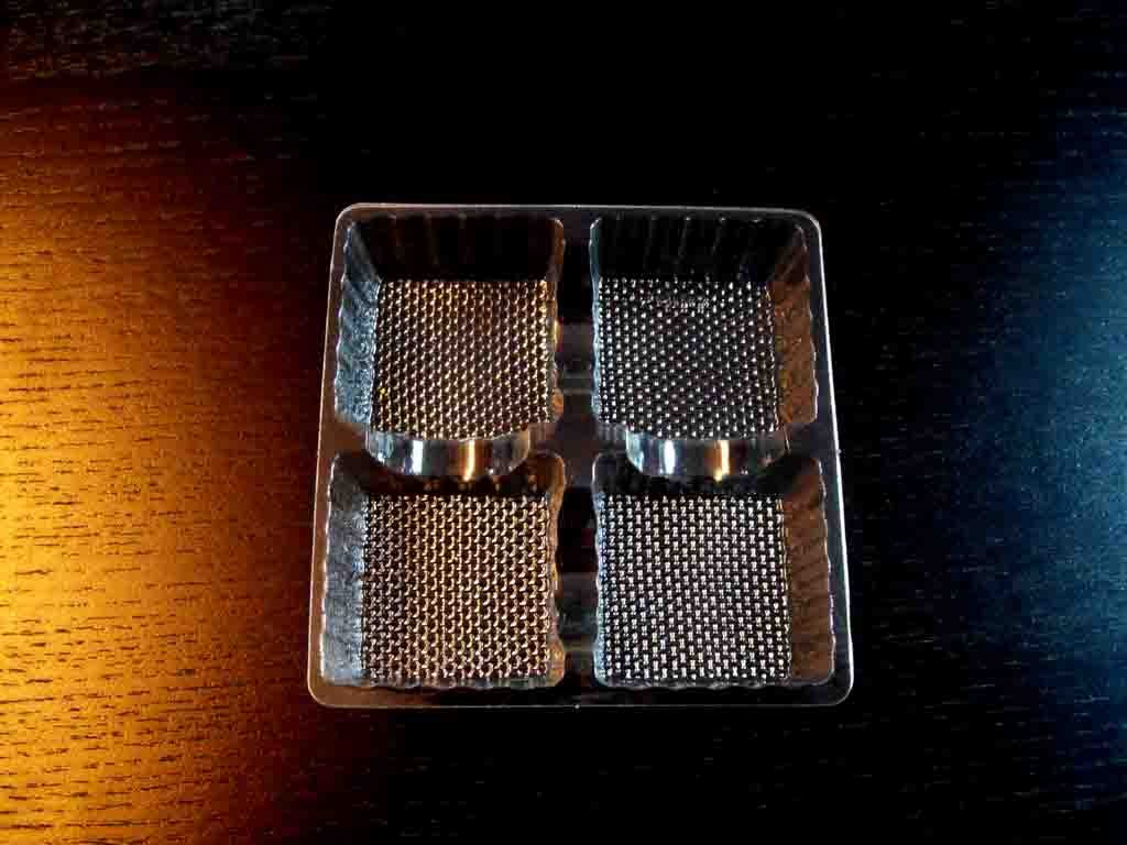 Chese Transparente Din Plastic Pentru 4 Praline Ciocolata