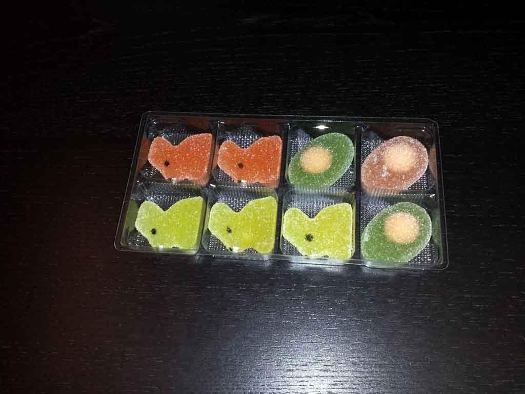 Chese plastic pentru 8 figurine jeleu (1)