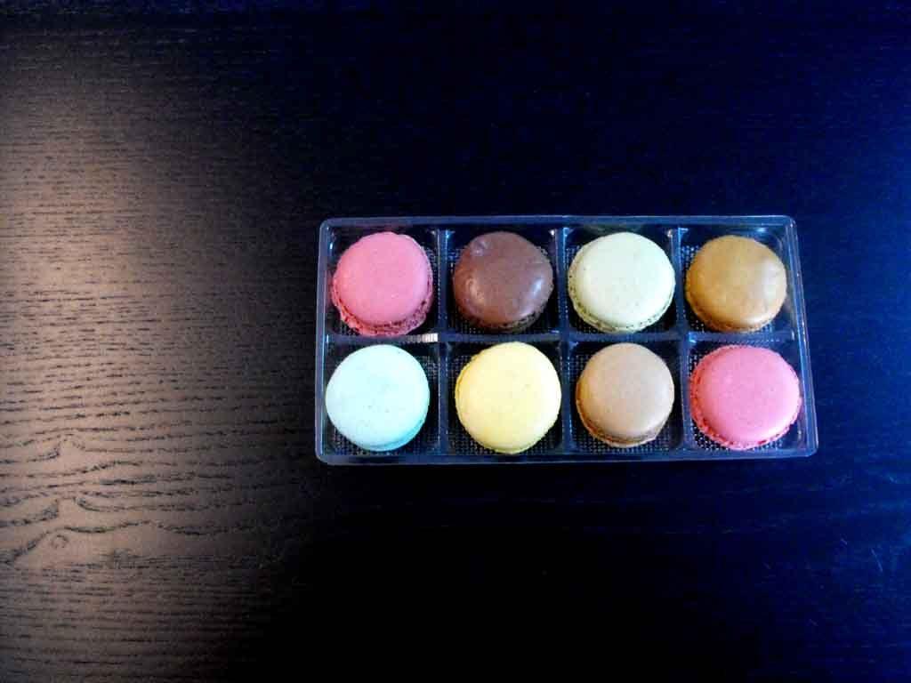 Chese plastic pentru 8 macarons (2)