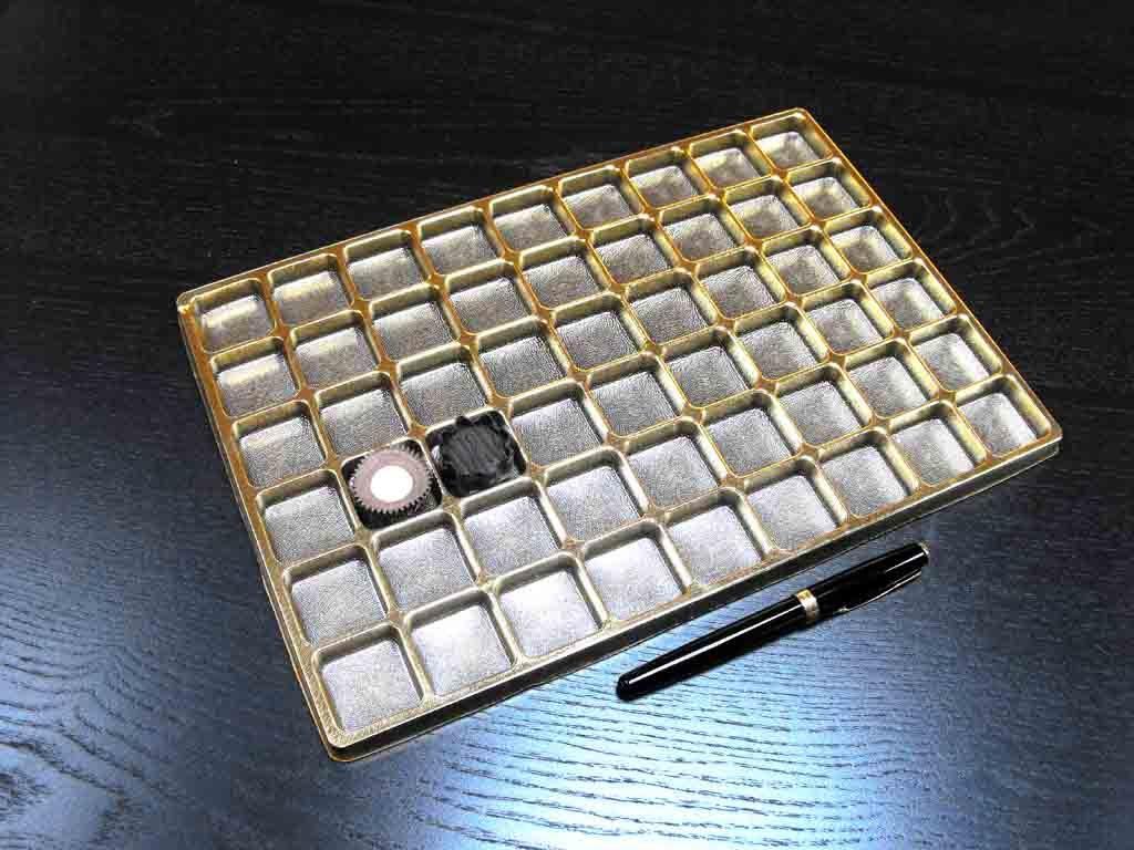 Chese plastic pentru bomboane aurii (2)