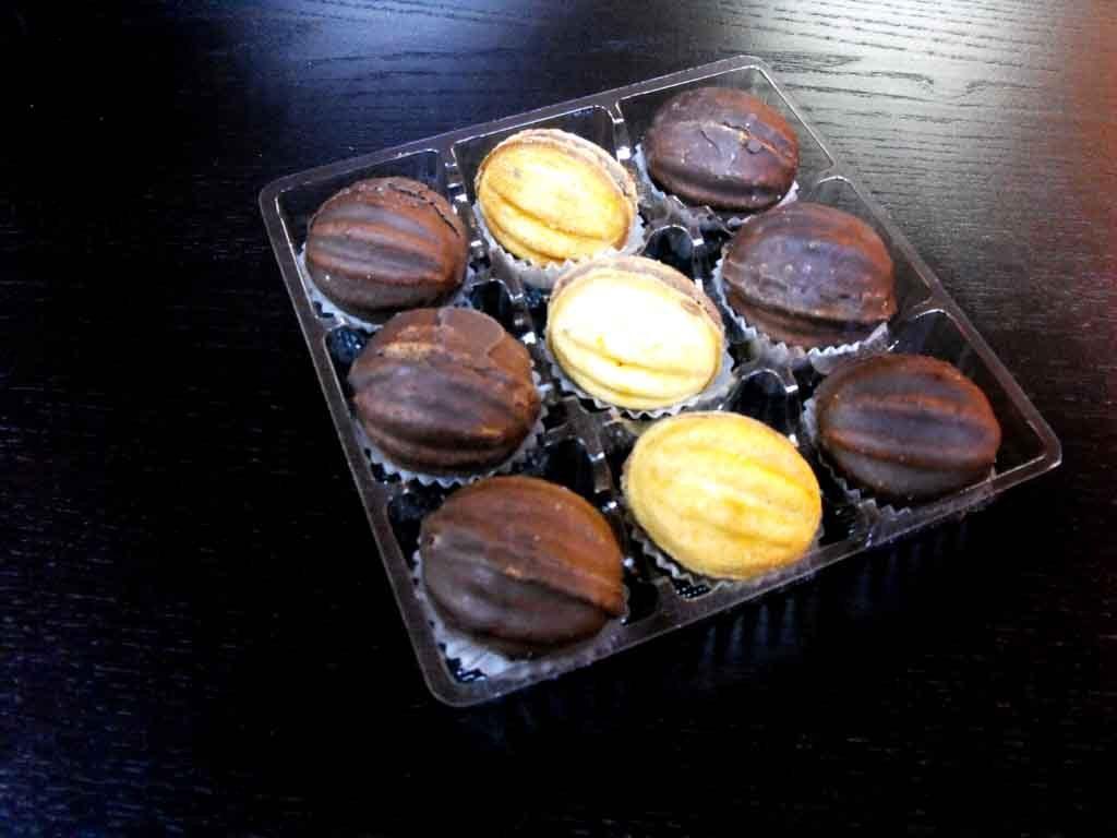 Chese plastic pentru nuci ciocolata - 9 alveole