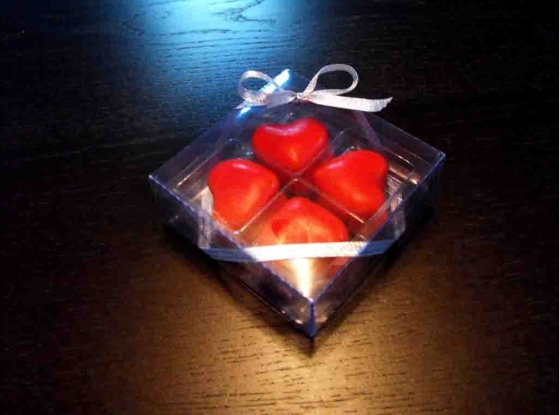 Chese platic pentru 4 bomboane (2)