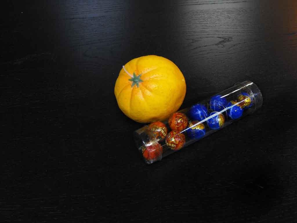 Cilindru din plastic pentru bomboane