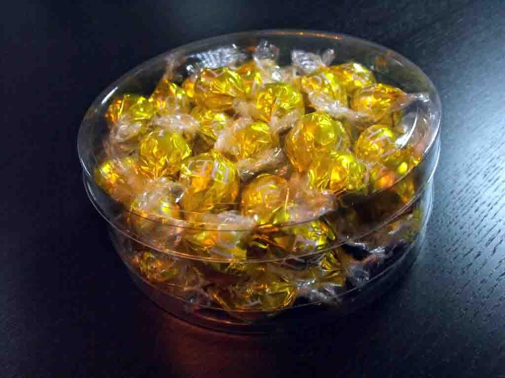 Cilindru din plastic pentru bomboane ciocolata (2)