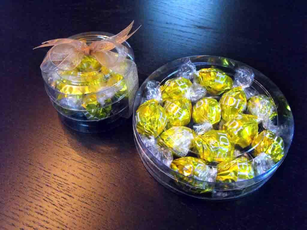 Cilindru din plastic pentru bomboane ciocolata (3)