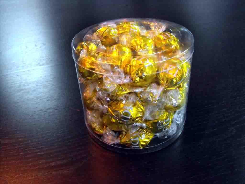 Cilindru din plastic pentru bomboane preambalate (3)