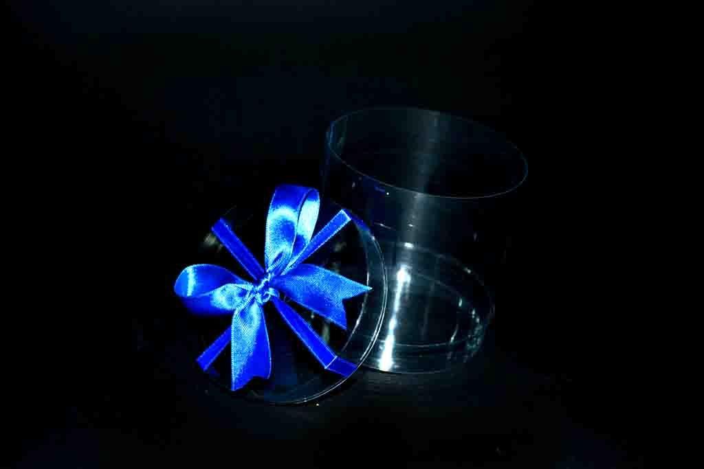 Cilindru plastic pentru cadouri cu funda (2)