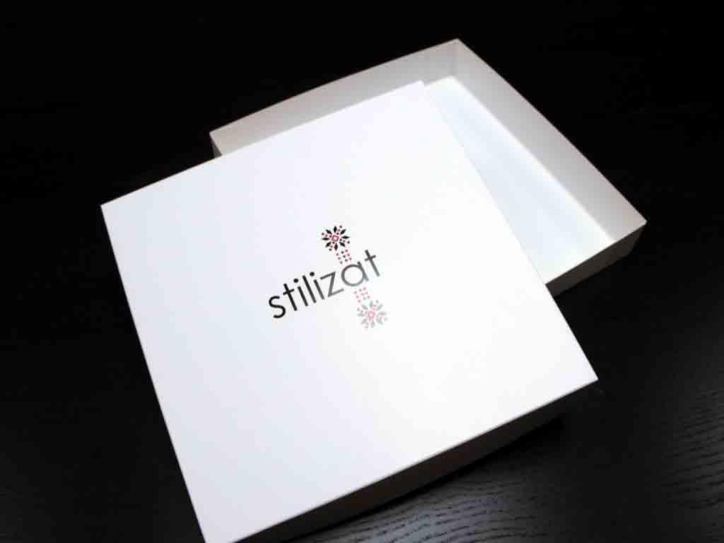 Firma noastra produce cutii la cerere