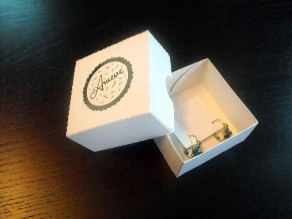 Cutie de carton pentru cercei (2)