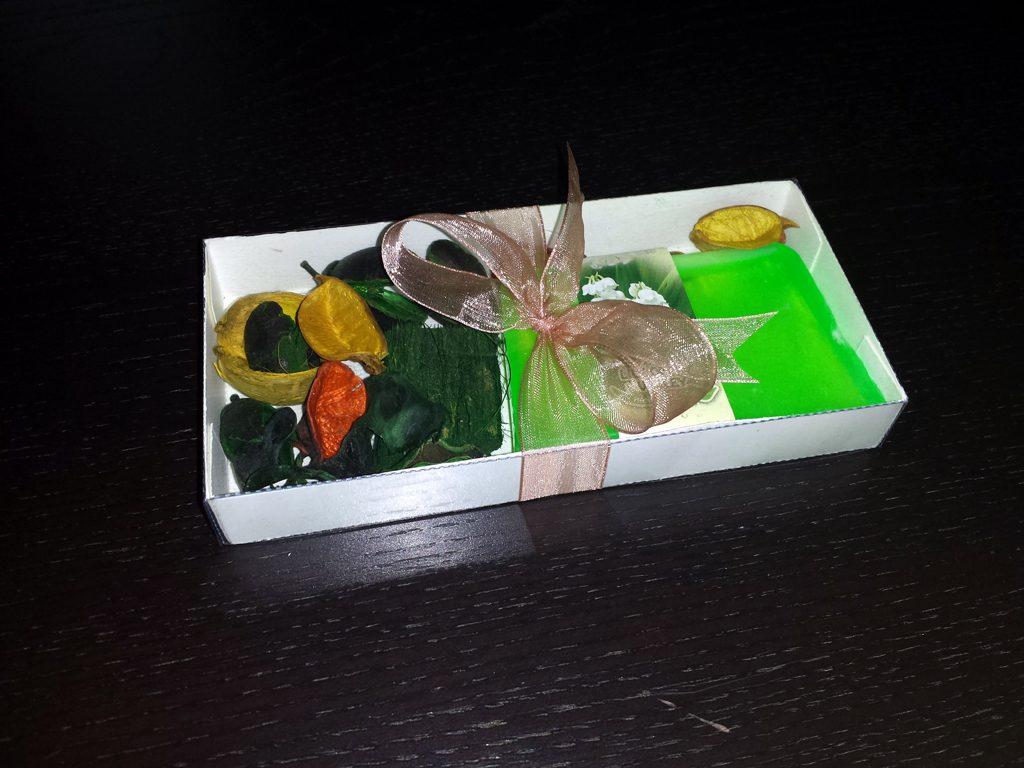 Cutie de carton pentru decoratiuni (1)