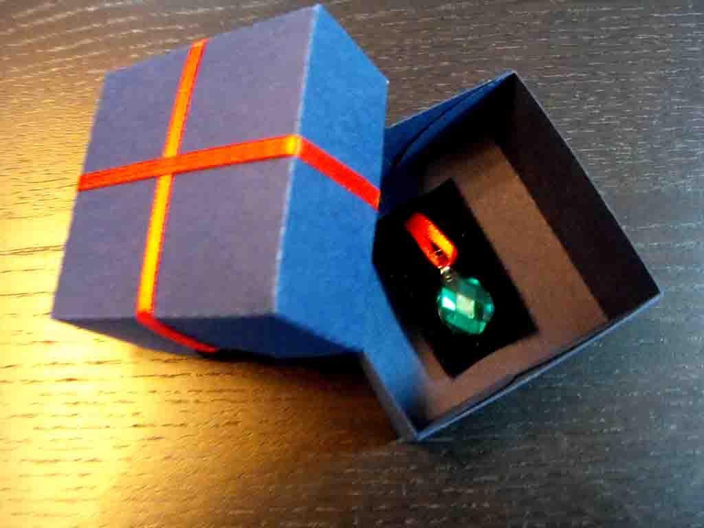 Cutie de carton pentru pandantive (1)