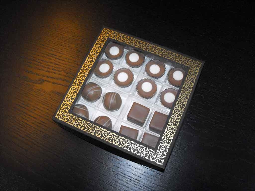 Cutie din carton pentru 16 praline (5)