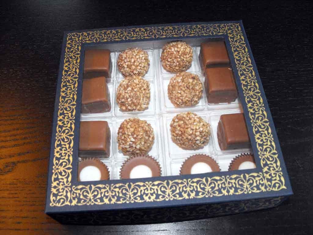 Cutie din carton pentru 16 praline (6)