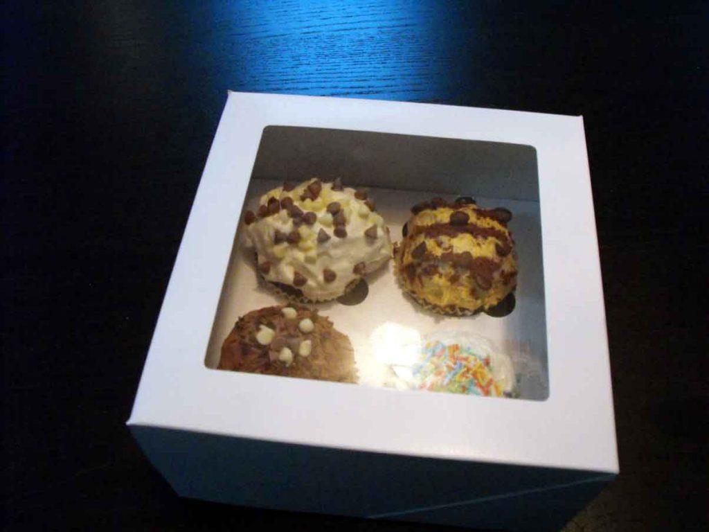 Cutie din carton pentru 4 briose (2)