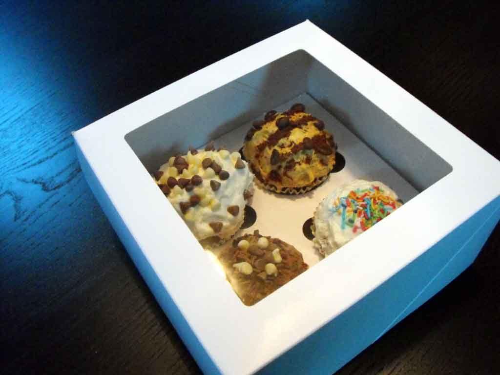 Cutie din carton pentru 4 briose (3)