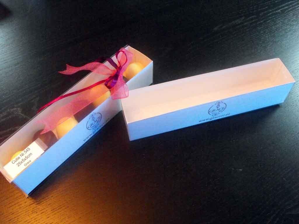 Cutie din carton pentru 7 figurine marshmallow (1)