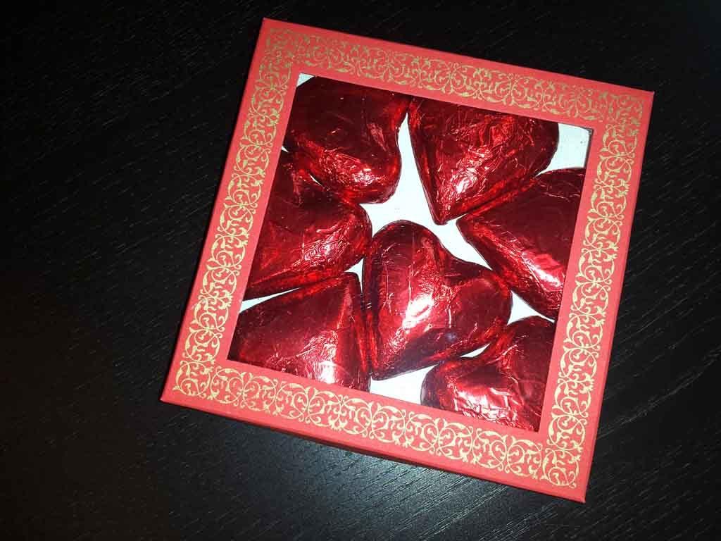 Cutie din carton pentru ciocolata inimioare (2)