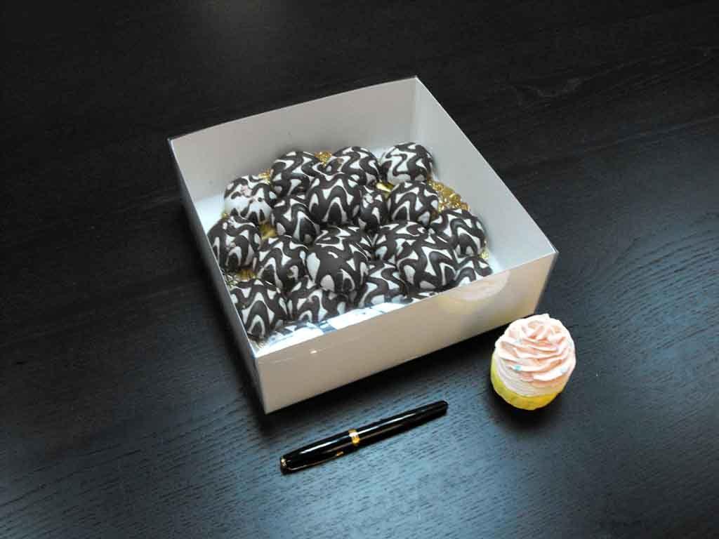 Cutie din carton pentru miniprajituri (1)