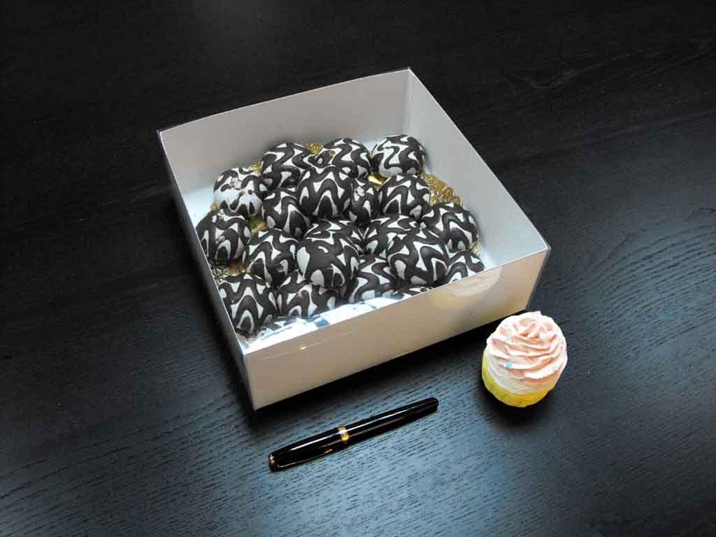 Cutie din carton pentru miniprajituri (2)
