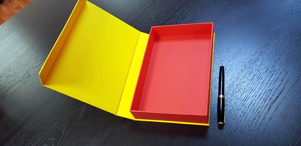 Cutie rigida cu magnet pentru accesorii (17)