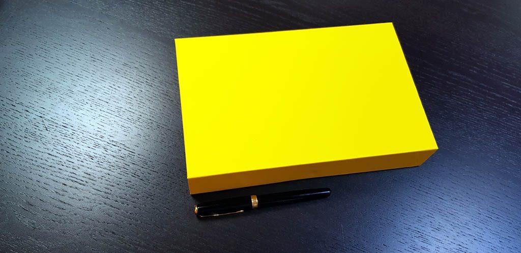 Cutie rigida cu magnet pentru accesorii (20)