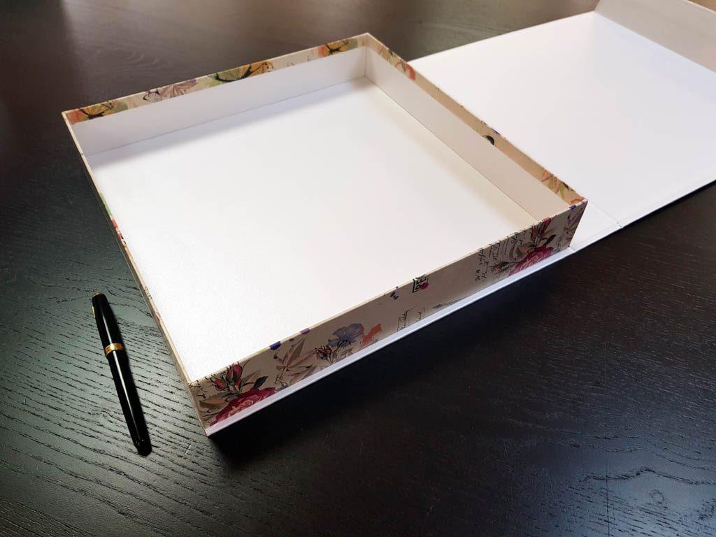 Cutie rigida cu magnet pentru cadouri (2)