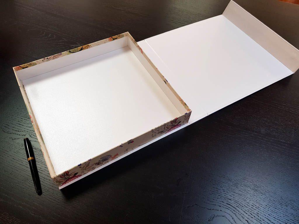 Cutie rigida cu magnet pentru cadouri (3)