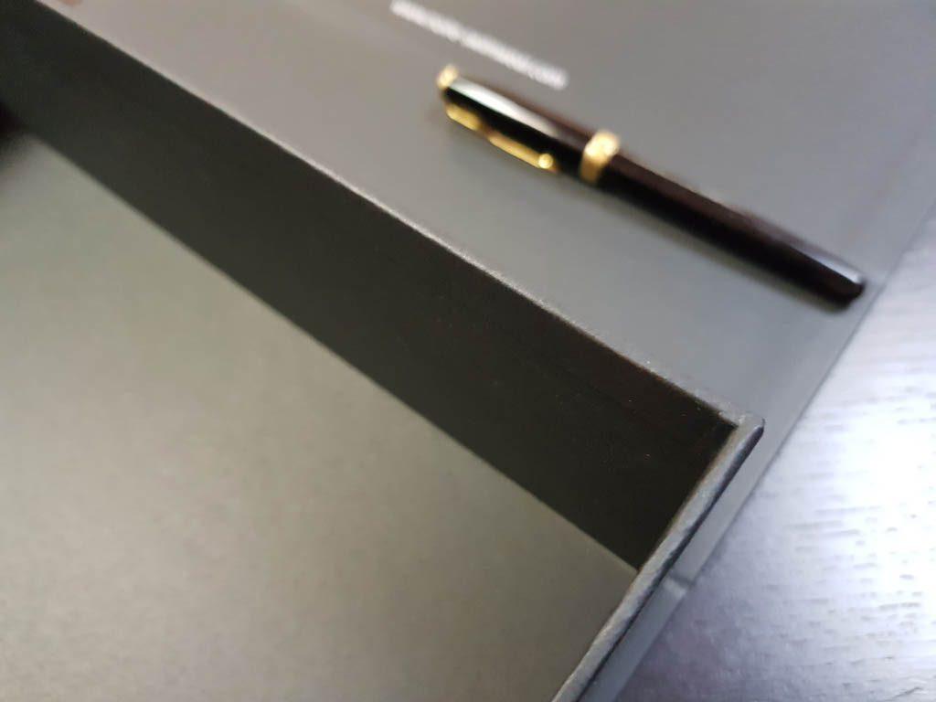 Cutie rigida cu magnet pentru cadouri speciale (2)