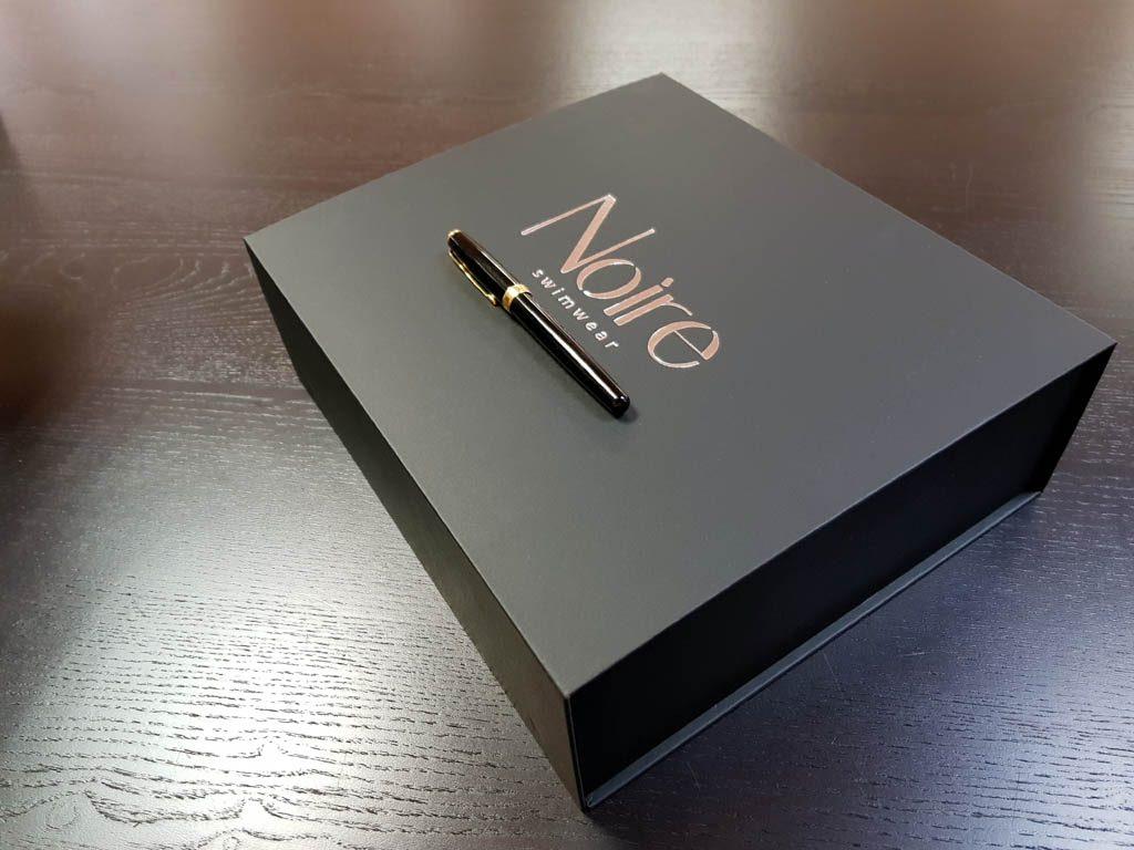Cutie rigida cu magnet pentru cadouri speciale (3)