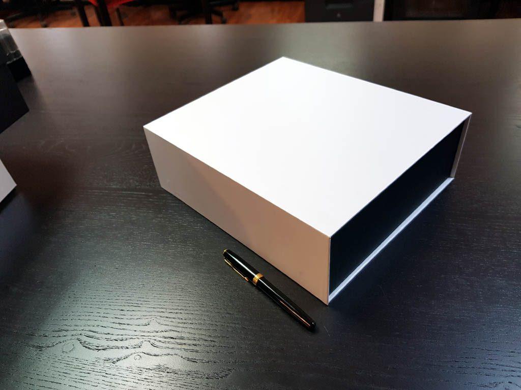 Cutie rigida cu magnet pentru cadouri speciale (4)