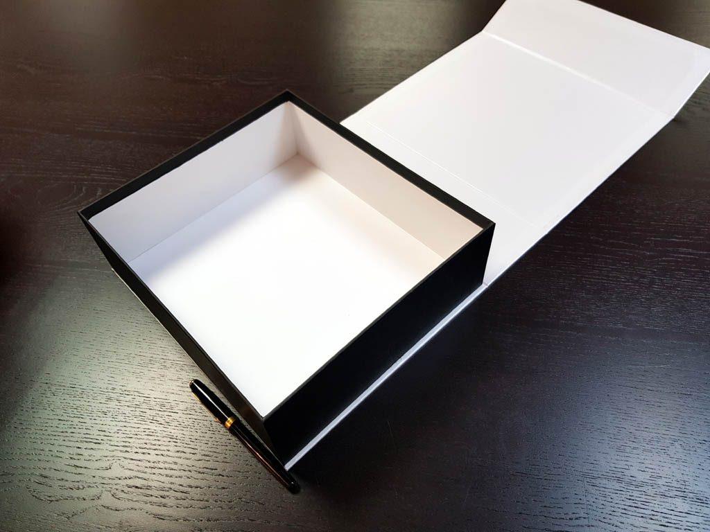 Cutie rigida cu magnet pentru cadouri speciale (5)