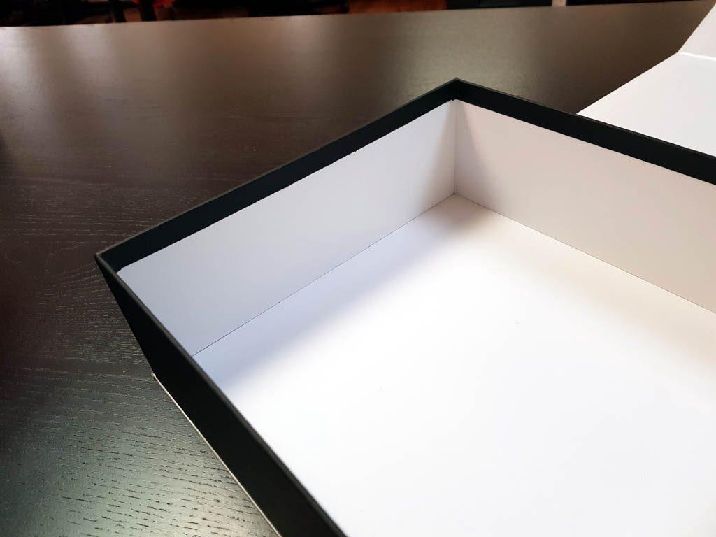 Cutie rigida cu magnet pentru cadouri speciale (8)