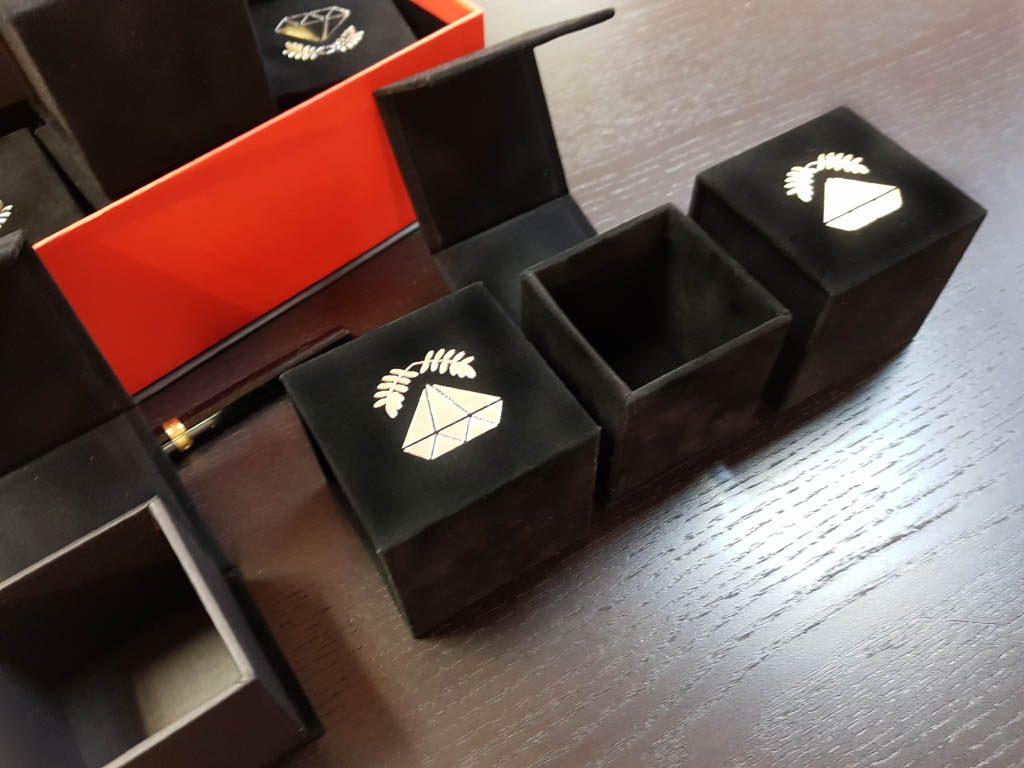 Cutie rigida cu magnet pentru inele, verighete, cercei, pini (6)