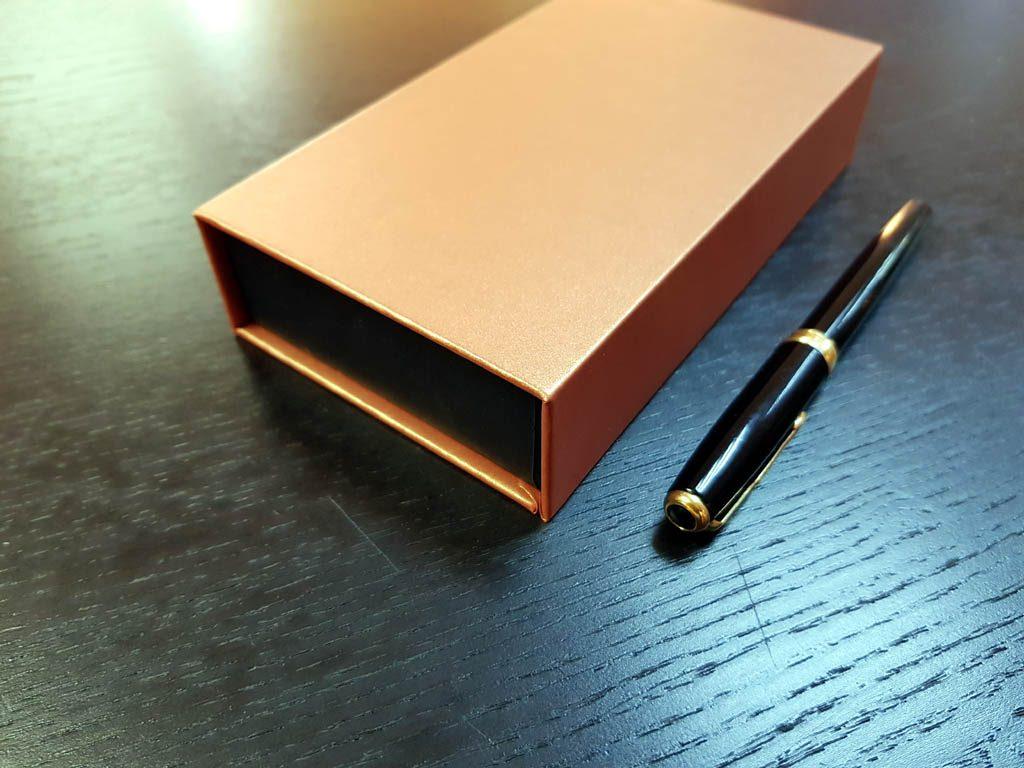 Cutie rigida cu magnet pentru papioane (6)