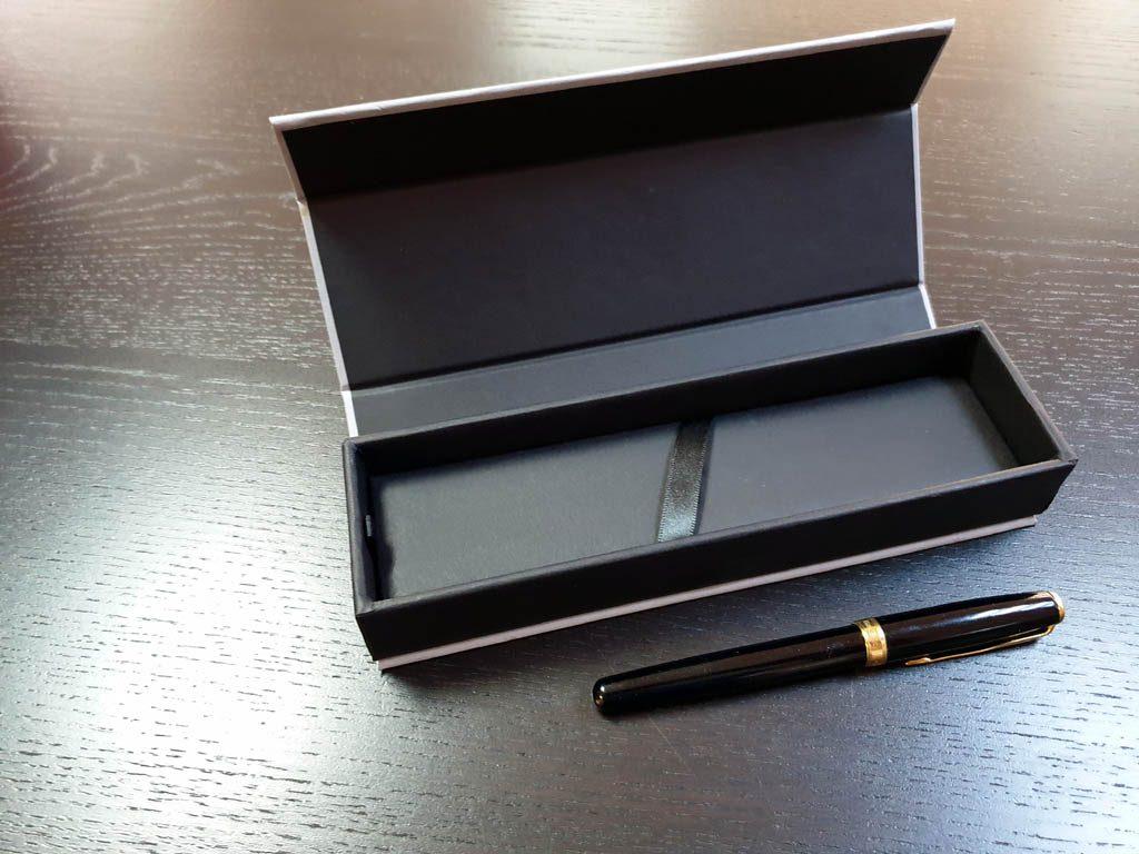 Cutie rigida cu magnet pentru pixuri (29)