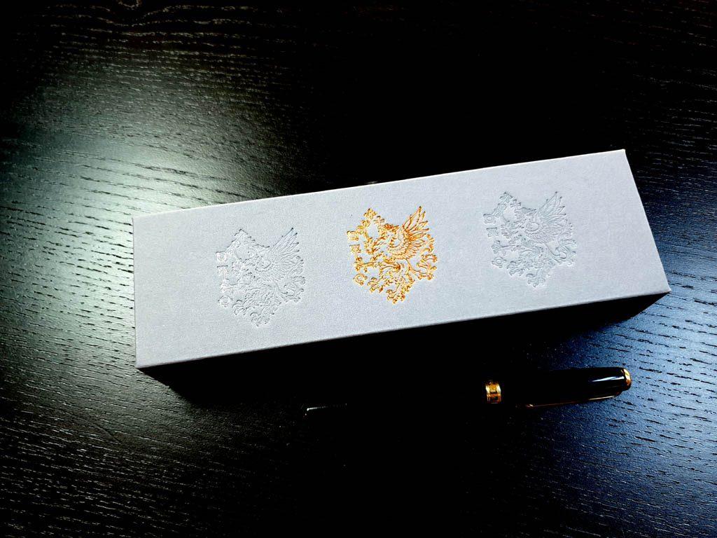 Cutie rigida cu magnet pentru pixuri (30)